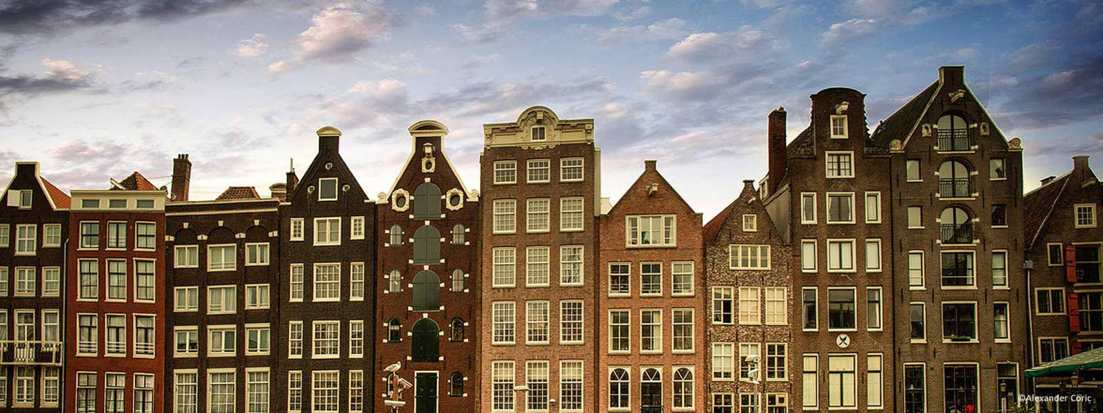 Coach tours, guided walks, canal cruises, private car and bicycle tours, all-in various cities and regions of the Netherlandsbook now